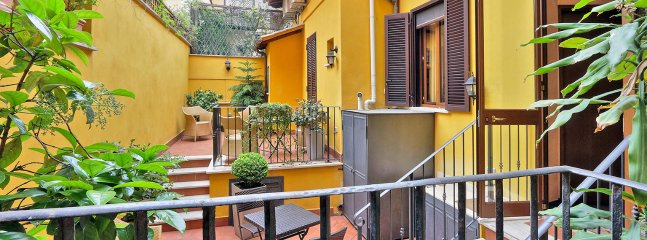 Charming Rome Apartment near the Colosseum - Annora