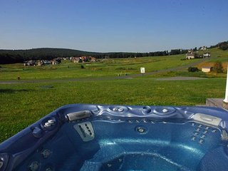 Hot Tub overlooking Golf Course