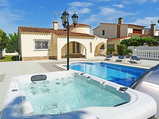 Empuriabrava Spain Vacation Rentals - Villa