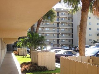 Cocoa Beach Florida Vacation Rentals - Apartment