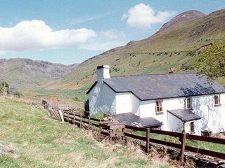 Croesor Bach, an impressive Welsh cottage