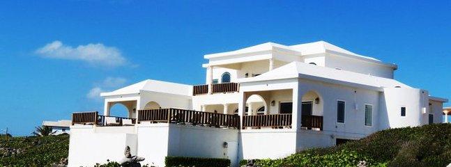 IDLE ROCKS - Sandy Hill, Anguilla