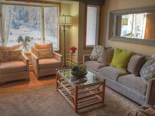 """SkyRun Property - """"4 Vail Trails Chalet"""" - Living room"""