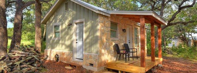 Cabins at Flite Acres – Mockingbird Cabin