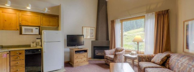 Sun Peaks Nancy Greene's Cahilty Lodge Deluxe Loft