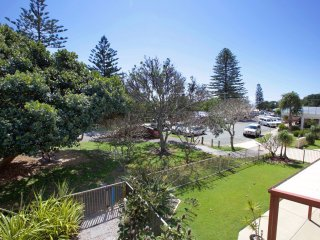 Currimundi Australia Vacation Rentals - Apartment