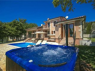 Mugeba Croatia Vacation Rentals - Villa