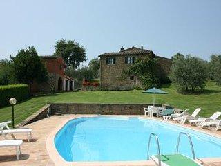 Torricella di Monte San Savino Italy Vacation Rentals - Villa