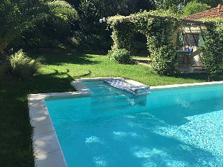 Sorgues France Vacation Rentals - Villa