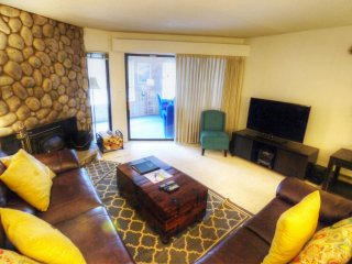 "SkyRun Property - ""BE308 1BR Bridge End"" - Spacious Living Room"