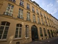 Elegant and Quiet Paris Apartment on the Left Bank - Rue de Verneuil