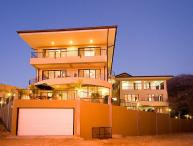 Wonderfull large multi-level home great for families and large groups