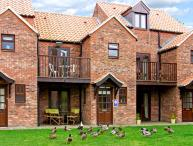 HERONS REACH, pet friendly, with a garden in Whitby, Ref 3627