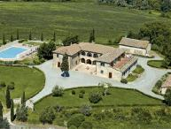 Villa la Contessa Upscale villa rental near Siena, Tuscany, large Tuscan villa for short term rental, Italian villa with pool
