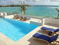 With 2 natural beaches, a tennis court, gym and personal cinema, you and your guests may never leave this villa. LHE BLE