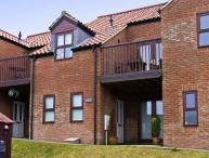 CRICKET COTTAGE, pet friendly, with a garden in Whitby, Ref 4263