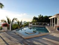 Ideal for Couples & Families, Private Pool, Short Drive to Pelican Beach & Restaurants