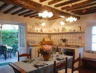 Farmhouse Close to Lucca for a Family - Casa Guamo