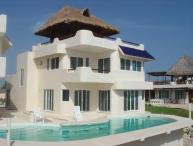 Casa Azul del Caribe-Island Vacation Retreat