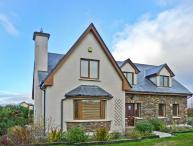 RADHARC AN TSLEIBHE, pet-friendly cottage with open fire, garden, rural setting, Killorglin Ref 21303