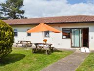 BRAY COTTAGE, pet-friendly single-storey cottage, close to beach and Exeter, near Sidmouth, Ref 25278