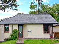 8 PARC BRON Y GRAIG, pet-friendly, all ground floor, fantastic central location, enclosed garden, in Harlech, Ref. 2704