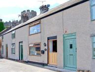 BREUDDWYDIO, ideal for a family or couple, sea views, coastal walks from door, in Conwy, Ref 25858
