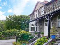 TREMORTHIN, dog-friendly, close to beach and castle, woodburners, in Harlech, Ref. 24006