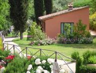 Pleasant Tuscan Apartment on Large Hillside Estate - Il Cortile del Borgo 15