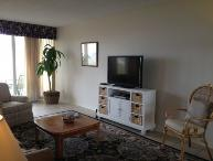 Living area with f