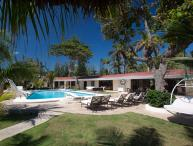 Seven Seas on the Beach - Ideal for Couples and Families, Beautiful Pool and Beach