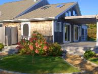 WASHS - Stylish and Beautifully Decorated Summer Residence, Screened Porch, Spacious Deck, WiFi
