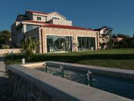 HOLIDAY VILLA IN BETINA by the sea