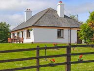 KILLORGLIN COTTAGE, great family house, open fire, mountain views, in Killorglin, Ref 23760