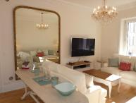 Golden Square Stunning 3 Bedroom Vacation Rental in Cannes