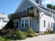Helena House: European flair, close to Plum Cove Beach.