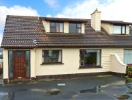 SEA PARK COTTAGE, pet-friendly, solid fuel stove, seaside cottage, in Lahinch, Ref. 25249