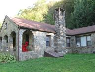 3BR Between Boone and Blowing Rock, Hot Tub, Large Flat Screen, Leather Furniture, Right By Tweetsie Railroad, Great Location