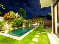 o2 Luxury 3BR Villa Spacious, Central Seminyak
