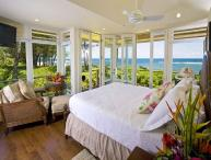 Beachfront Tropical Dream House with A/C!