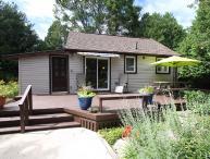 Summer Garden cottage (#898)