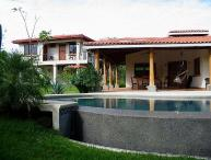 Comfortable home- walk to beach, cable tv, kitchen, a/c, private pool
