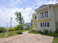 Fantastic 3 Bed Townhouse - Close to the Beach