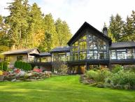 Spectacular 5 Bedroom Luxury Home on One Acre