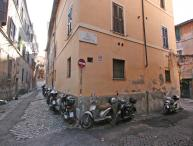 Rome Apartment Rental in Trastevere Area - Aurelian