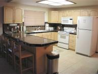 Updated Condo nestled in Pine Trees with Community Pool, Hot Tubs and Tennis Courts (LV09)