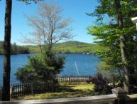 Winnisquam Waterfront / Fenced in Yard (FUS16Wc)