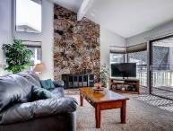 #33 ASPEN Fresh and Bright Town Home on the 5th Fairway $235.00-$270.00 BASED ON DATES AND NUMBER OF NIGHTS. (plus county tax, SDI, Cleaning fee and processing fee)