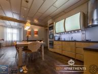 3 BDRM apartment with sauna and parking