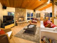 Mountain Contemporary Home - Minutes from the slopes (2399)